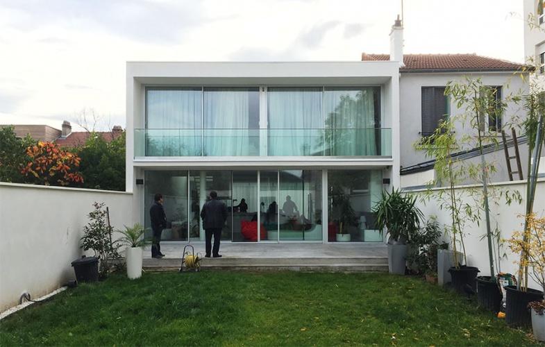Construction d'une maison contemporaine : Vue Jardin