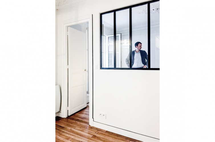 LUXEMBOURG : architecte-renovation-appartement-verriere-noir-AREA-Studio