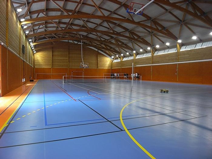 Gymnase pour le Lycée en Forêt : Intérieur de la salle