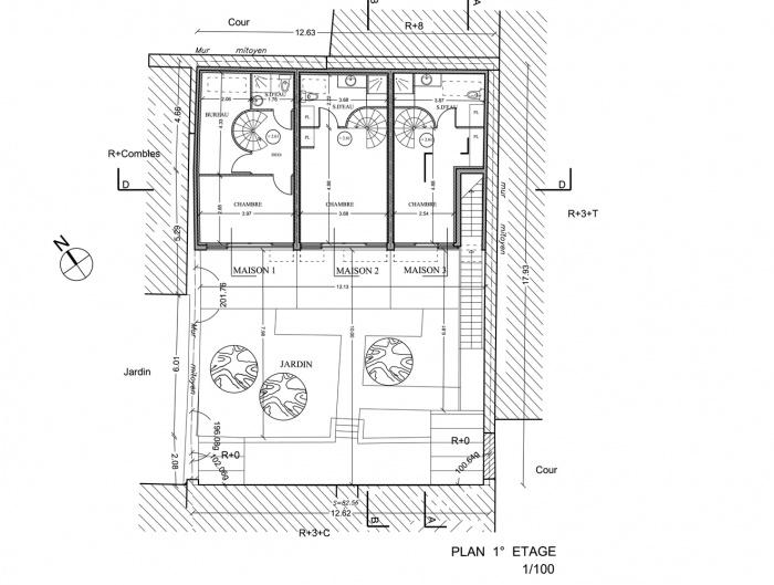 Trois maisons de ville, duplex et studio : plan 1° étage