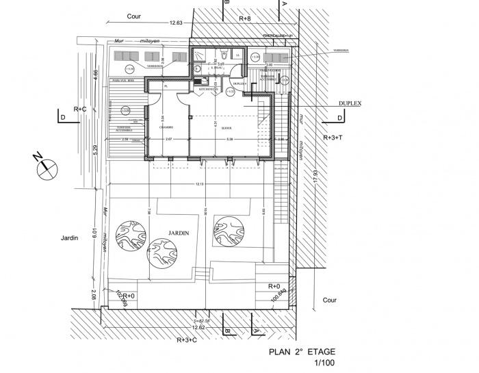 Trois maisons de ville, duplex et studio : plan 2° étage