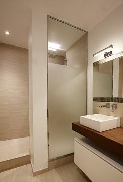 Appartement Avenue de Ségur : salle de bain parentale