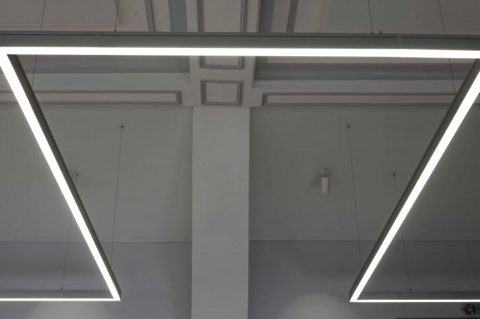 Salle polyvalente dans un lycée parisien : IMG_7361Salle-Colbert-matin