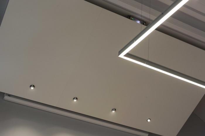 Salle polyvalente dans un lycée parisien : IMG_7375Salle-Colbert-matin